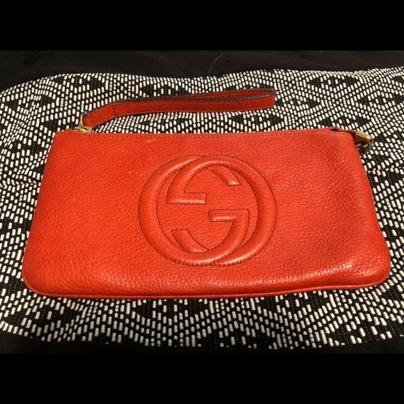 30d35a06048 Gucci Handbags - Gucci soho leather wristlet wallet